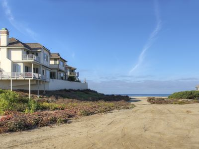 NEW MODERN LUXURIOUS Condo on Lagoon, steps to Beach. Private-Gated-1 level