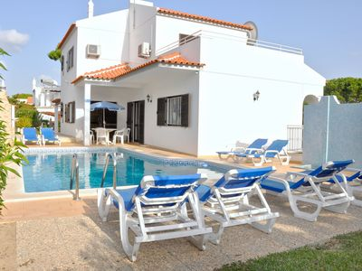 Photo for Spacious 4 bedroom villa with private pool, close to The Old Village