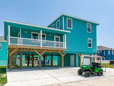 Photo for Splash Pad Shared Pool, *FREE Golf Cart, 4 bed/4.5 bath, Pets, Close to Beach