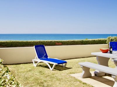 Photo for SEA FRONT ON 180 °, MAGNIFICENT VIEW ON THE SEA, GARDEN AND PRIVATE PARKING