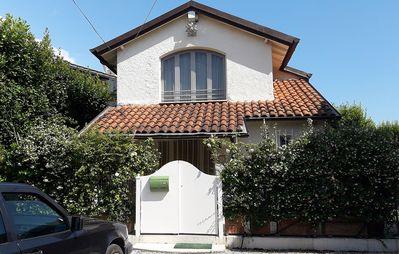 Photo for Special offer, small paradise 2 steps from the sea Forte dei Marmi 2postiauto