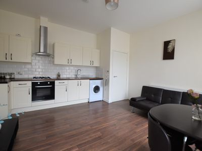 Photo for Modern & Airy 2 Bed City Centre Flat, Free Parking