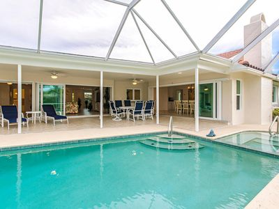 Photo for Lakefront Pool Villa, priv. Beach access, all in walking distance, free Wi-Fi