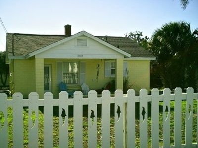 Dolphin picket fence & a cute house to go with it!!!!!!