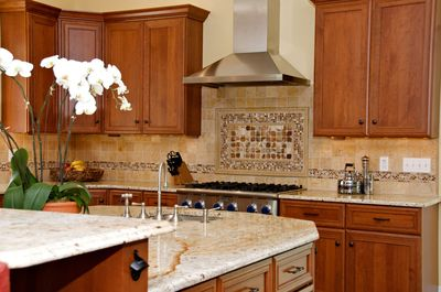 Large center island, 2 full-size sinks, Thermador cooktop - room for many cooks!