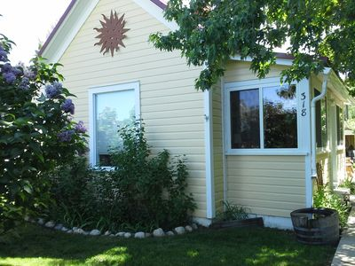Photo for Cozy cottage ' Escape to the Sun' in historic Red Lodge