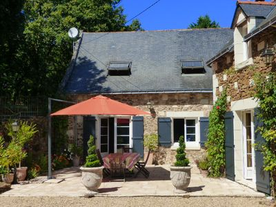 Photo for Charming villa with heated pool - Saumur - Castles of the Loire