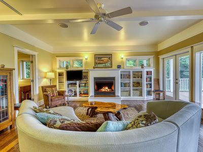 Photo for Welcoming Orcas Island home w/bay views and contemporary features