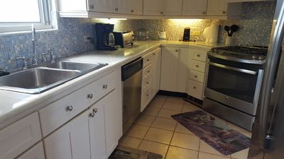 New kitchen counters and appliances