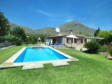 Search 3,967 holiday rentals