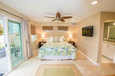 Master Bedroom with King bed and 40 inch TV