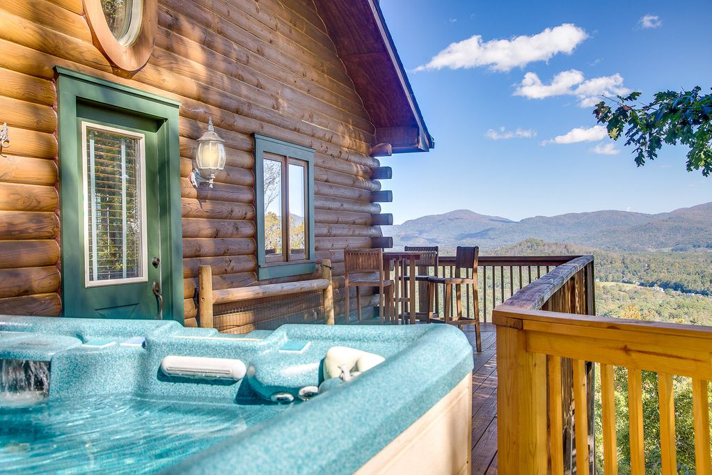 mountaintop log cabin w spectacular views 20 minutes from rh vrbo com asheville cabins for rent with pool asheville cabins for rent