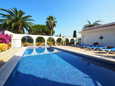 Photo for Splendid Villa of 350 m2 with nice garden and private pool just 1 km beach