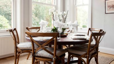 Beautiful wooden table seats 6 people