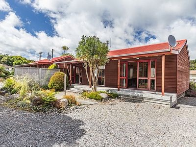 Photo for Arawa Cottage with WiFi - Ohakune Holiday Home
