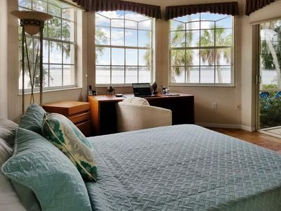 The Spurge Mansion has relaxing waterviews and Luxury Florida Living Amenities.....