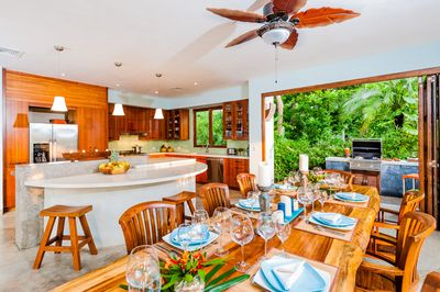 Kitchen/Dining - Enjoy a meal in your sophisticated, fully equipped eating areas