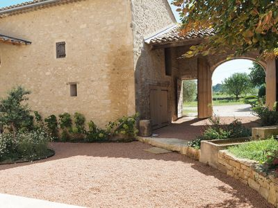 Photo for Provencal farmhouse renovated in 2019, authenticity, charm, air conditioning, SPA-Pool-Village