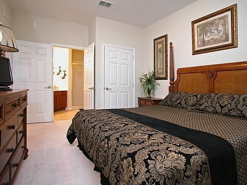 Nicest affordable 3br penthouse condo in vistacay great for Sand lake private residences for rent