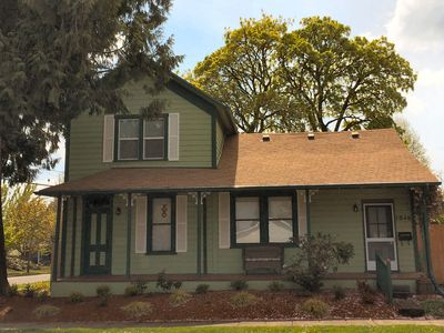 Photo for The Ferris House - Elegant Historic Home in Mcminnville