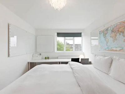 Photo for 2 Bedroom Flat 10 min to Oxford Street