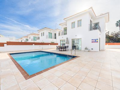 Photo for Exclusive 3 bedroom villa just 1 minute away from the famous Fig Tree Bay Beach