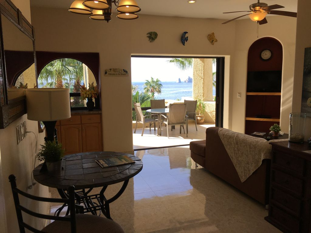 One Bedroom Condo On The Beach Wi Fi Arch View BBQ Dish TV