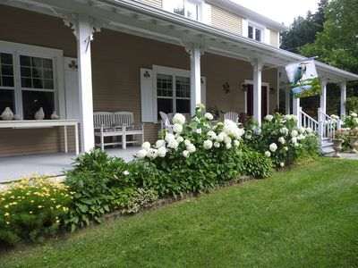 Photo for 3BR Cottage Vacation Rental in Knowlton, QC