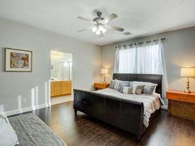 Photo for House in Las Vegas with Air conditioning, Parking, Washing machine (748640)