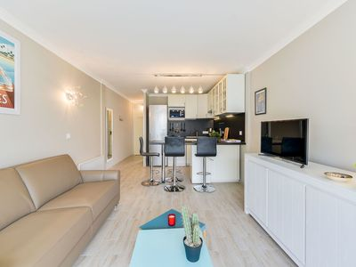 Photo for Beautiful apartment for 4 people with A/C, WIFI, TV and parking