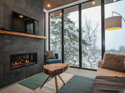 Photo for Chalet Métis: 2bdr, 4-6p, modern with spa and view