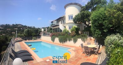 Photo for Villa with heated pool for 11 people with sea view