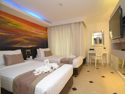 Photo for Twin bed Deluxe room @ Sukhumvit 1/FWB