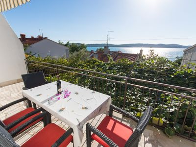 Photo for A3 – 90 m2 apt with the big terrace and garden, just 50m from the beach