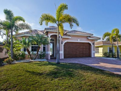 Photo for Beautiful Naples Florida Villa! Close to Vanderbilt Beach!