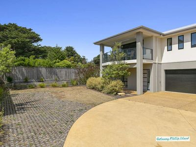 Photo for Luxury townhouse in Cowes and close to the beach. Free wifi
