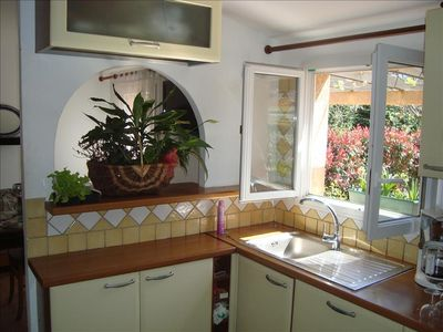 "Photo for Minivilla garden ""Kiwi"" for 2 to 4 people, large shaded green private garden 5 min from beaches"