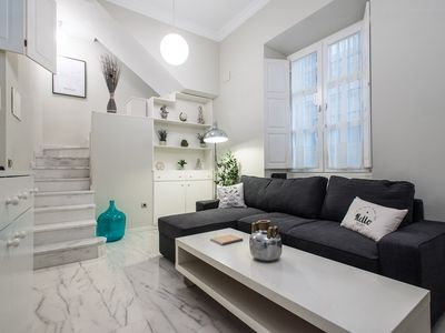 Photo for UNIQUE, CENTRIC & RENEWED 1BD + 2BT, BESIDE SEVILLE CATHEDRAL