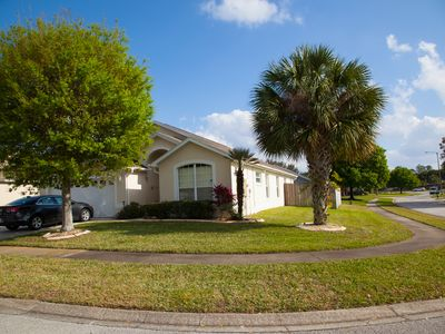Photo for 4 bed 3 bath villa with a  south facing private pool and Spa 12 mins to Disney