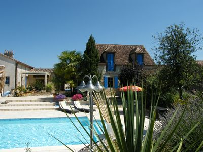 Photo for Superb cottage with private heated pool