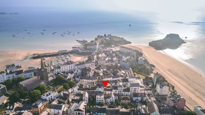 Fantastic location, one of best  in Tenby. Quiet yet central, light sunny street