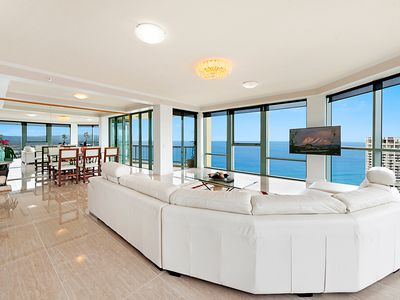 SURFERS PARADISE LUXURY APARTMENTS