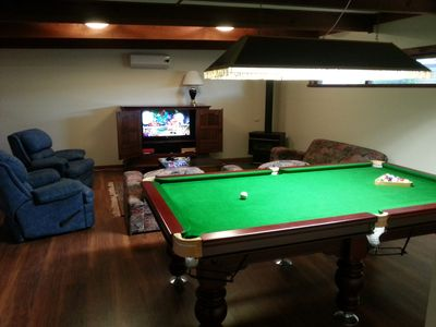 Lounge room with pool table
