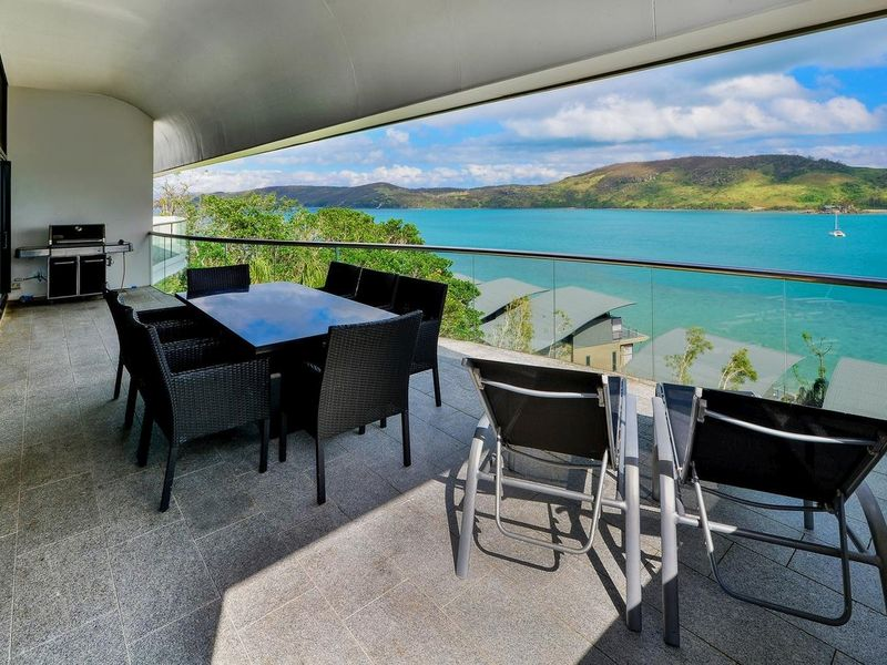 1 of 17. Australia  QLD  Queensland Islands  Hamilton Island ...