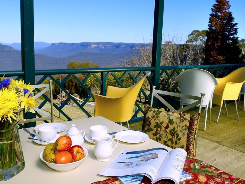 Blue Mountains Rhapsody Clifftop Point Blank Views