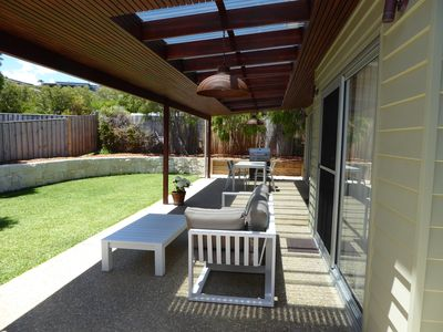 Outdoor patio & lounge area