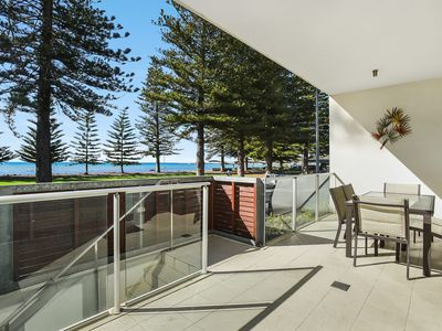 Breeze Beachfront Apartment no 9 - 'Burnt Orange'