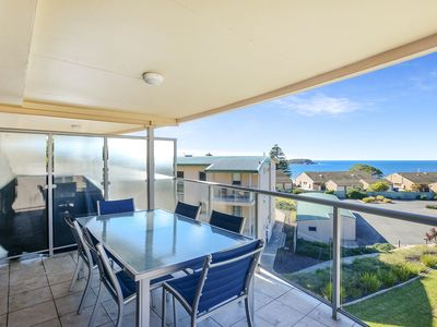 18/2 Solway Crescent - Panoramic sea views from this second floor apartment