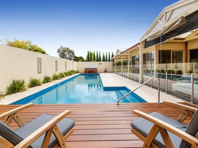 ENTERTAIN IN STYLE - MORNINGTON