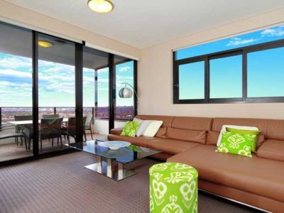 Australia Towers Floor 20 Unit 20.06 - 3 Bedrooms with sensational Sydney CBD